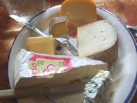 地元のチーズ